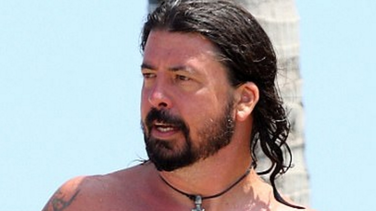 These Photos Prove What A Hunk Foo Fighters' Dave Grohl Is